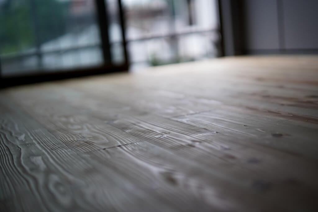 暮らす実験室 IKI 日田杉の床